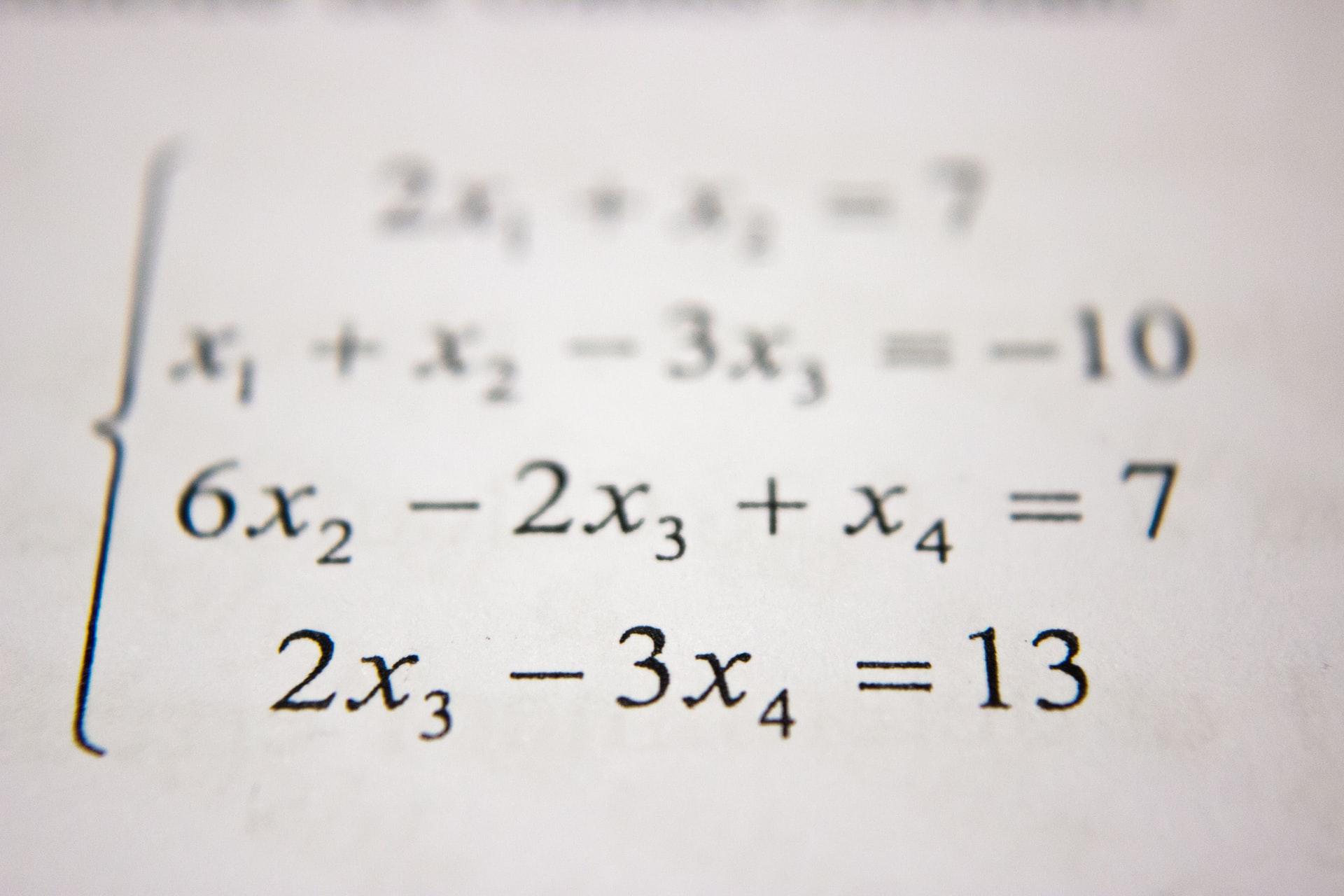 équation de mathématiques au lycée