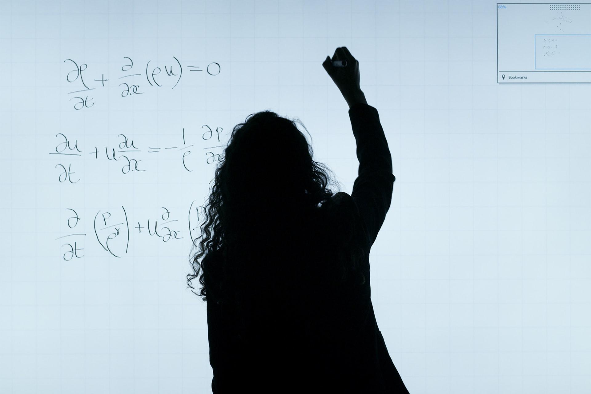 maths de première sur un tableau avec un prof