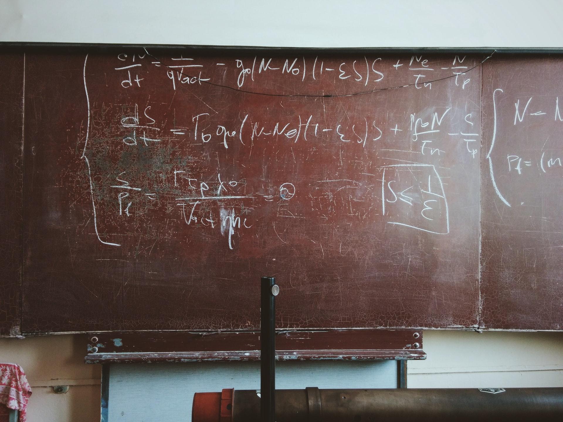 équations de maths pour le lycée
