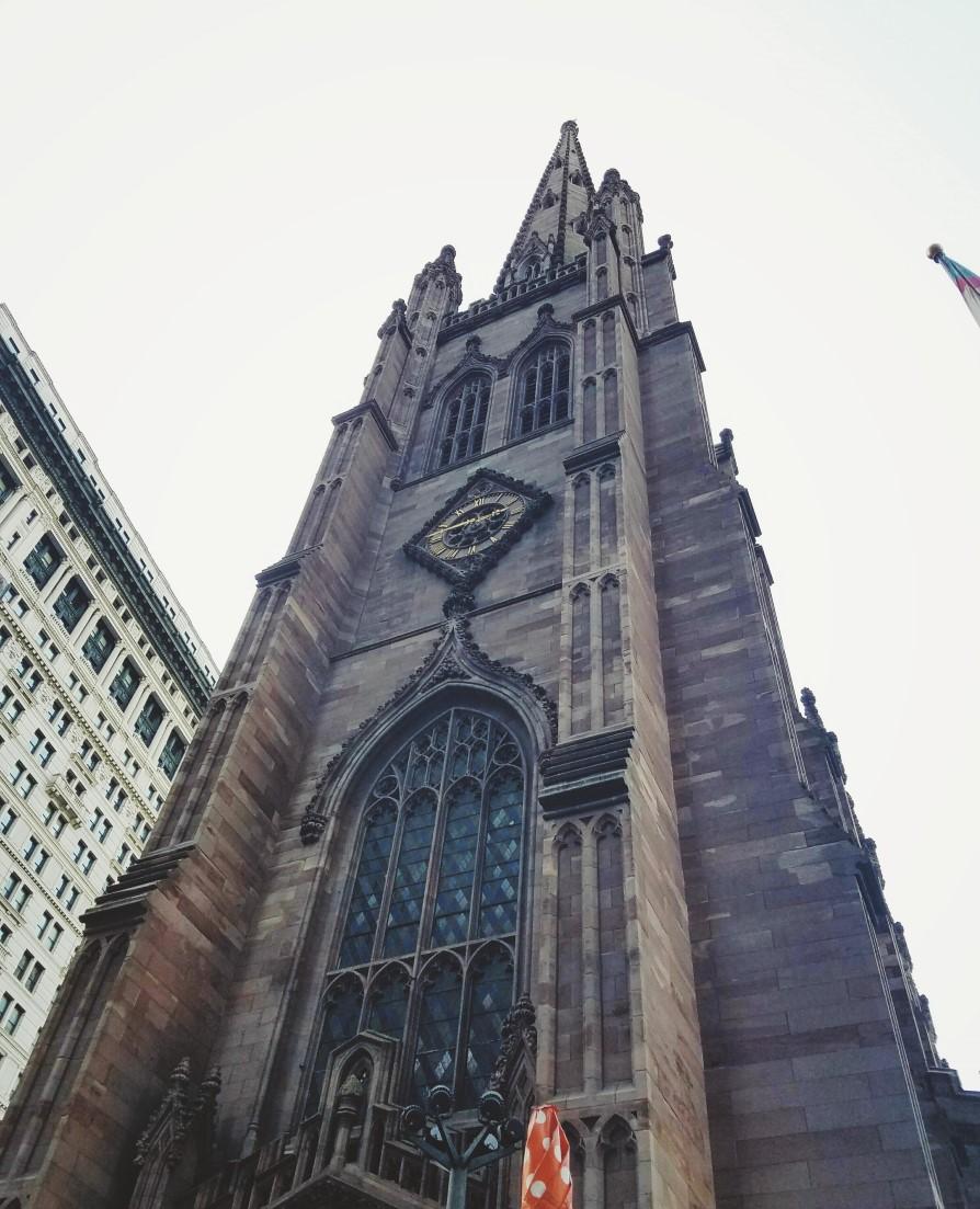 monument néogothique anglais du programme