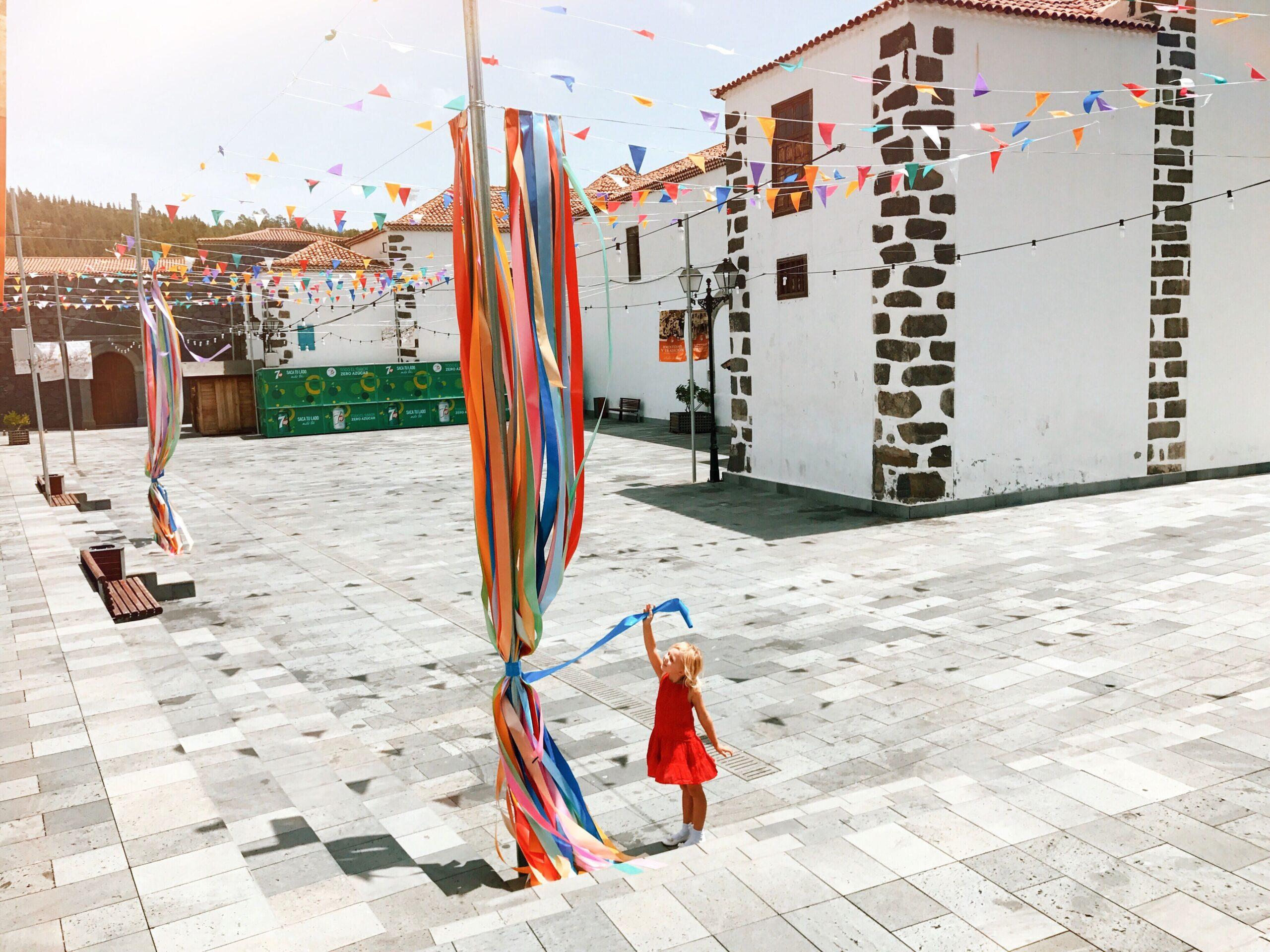 enfant faisant la fête en Espagne