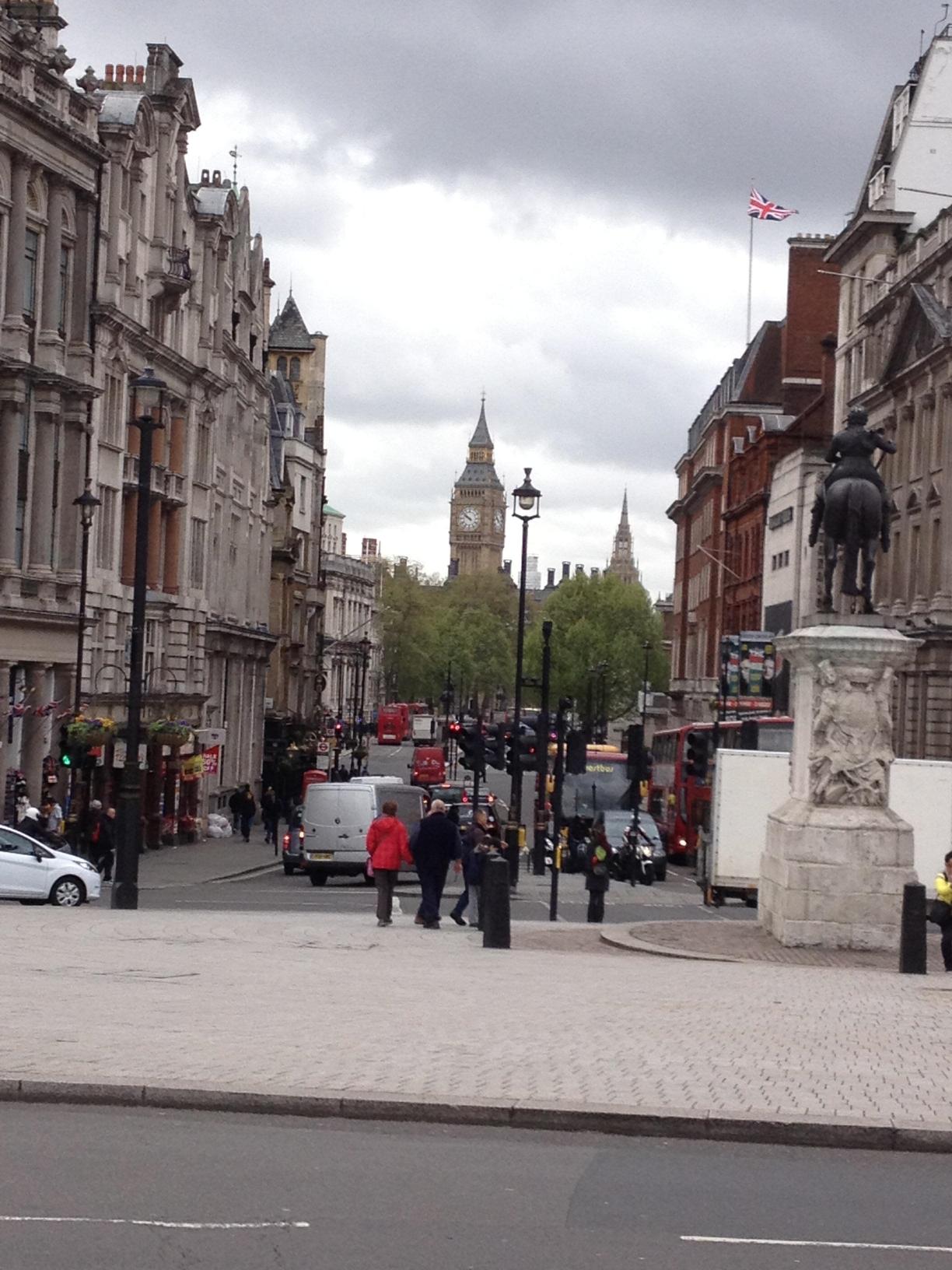 vue éloignée du Big Ben de Londres