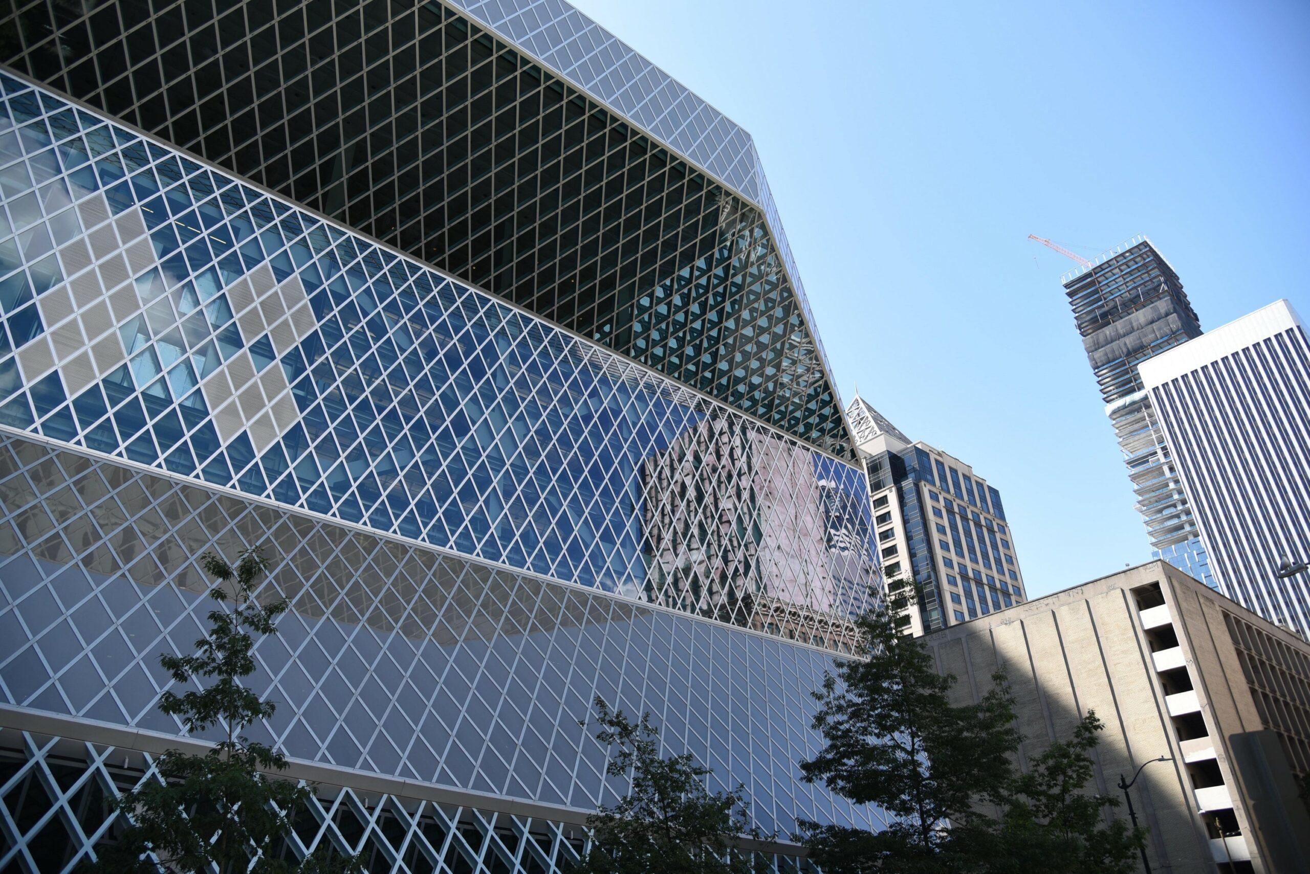 la façade de la bibliothèque de Seattle