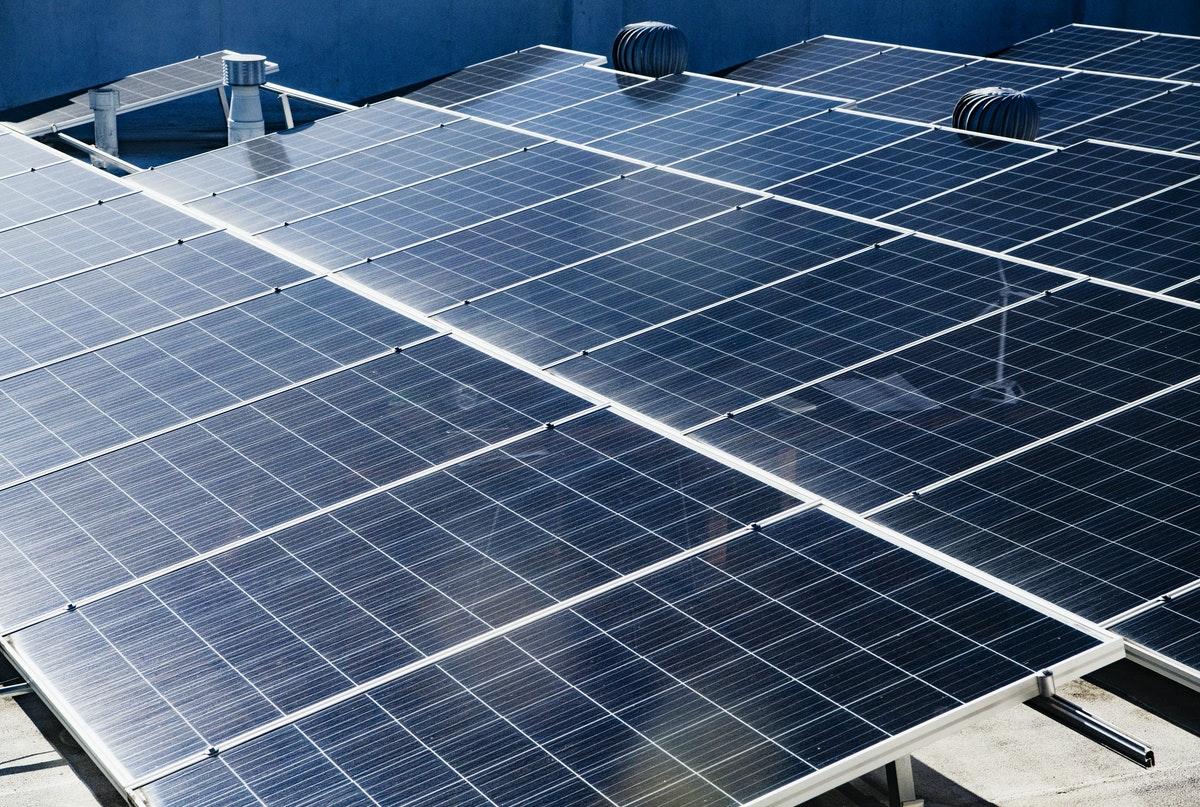 des panneaux solaires du programme de seconde
