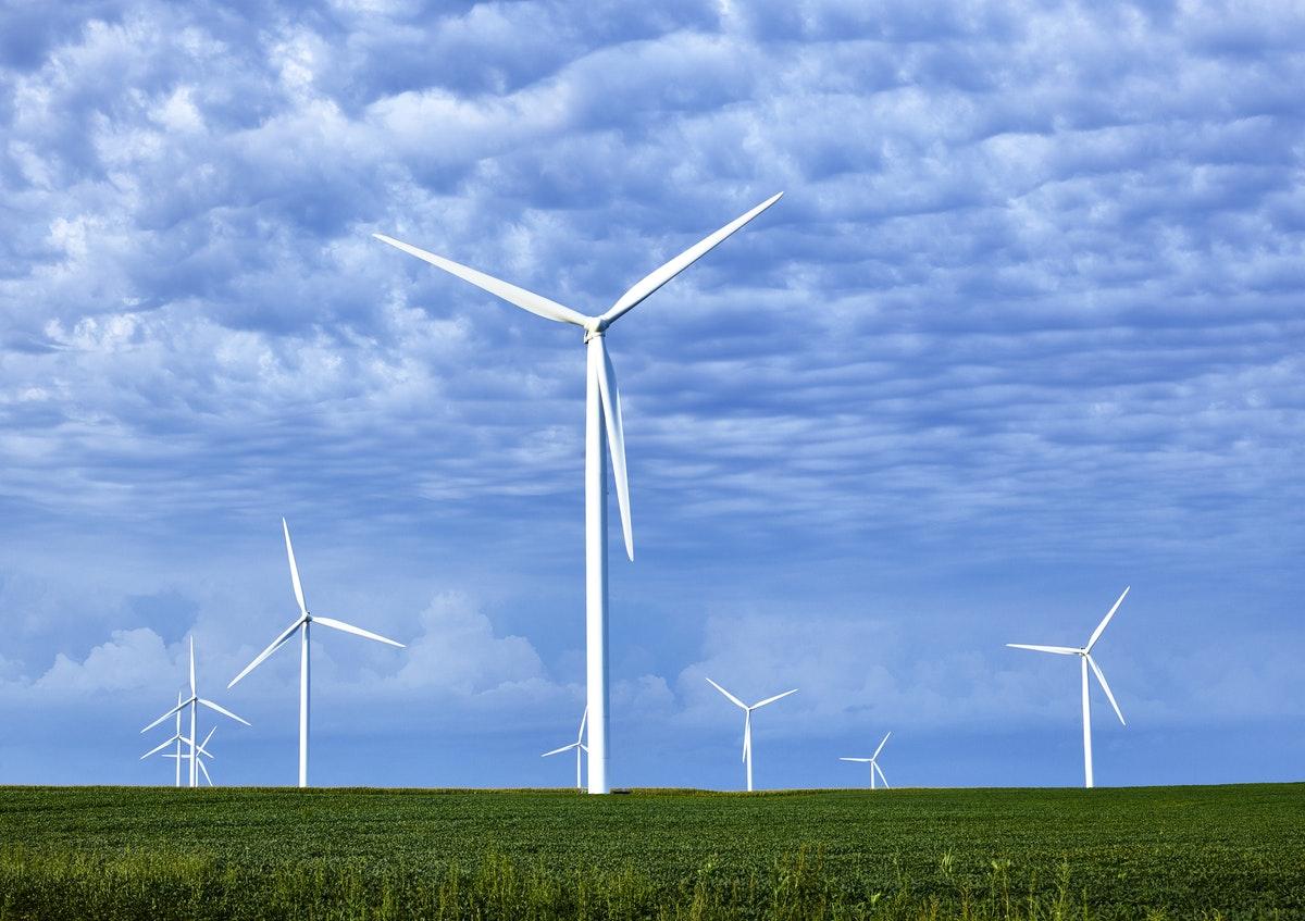 des éoliens générant de l'électricité étudiée en physique